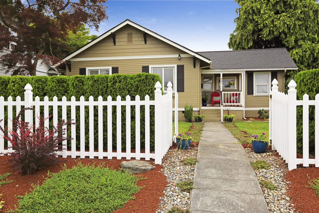 Are You a Homeowner and in Need of Fence Installation Services